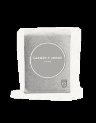 FrontDistressed-carmen-y-jorge